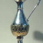 Brocca in argento con decorazione dorata. Bottega italiana sec. XX