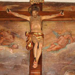 Crocifisso ligneo con perizoma dorato. Scuola napoletana sec. XVII