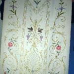 Pianeta con applicazioni floreali. Manifattura italiana sec. XX