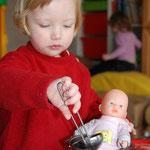 Am letzten Tag der Eingewöhnung kochtest du Puppensuppe :o)