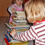 Bücher werden bei den kleinen Krabbelkäfern ganz groß geschrieben!