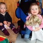Fiona und Nelly in der Kuschelecke.