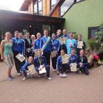 Juniorteam und M**-Gruppe nach der Siegerehrung