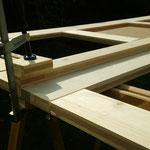 Die Holzbretter verhindern das die Zwinge hässliche Abdrücke hinterlässt
