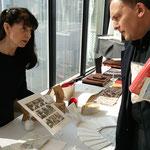 Adams Unikate, Gisela Adam und Bürgermeister Klaus Kreß. Foto von Beatrix van Ooyen - Ernst-Ludwig-Buchmesse 2018