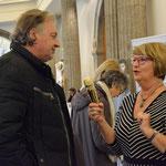 Krimiautorin Jule Heck interviewt Stadtverordneten Klaus Englert. Foto von Corinna Weigelt - Ernst-Ludwig-Buchmesse 2018
