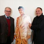 Von Links: Elvis-Experte Hans-Ulrich Halwe, Elvis Presley, Bürgermeister Klaus Kreß. Foto von Beatrix van Ooyen - Ernst-Ludwig-Buchmesse 2018