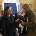 Journalist Bruno Rieb von der Internetzeitung Der neue Landbote wird befragt - Foto von Annette Hausmanns, Ernst-Ludwig-Buchmesse 2018