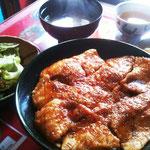 マグロ生姜焼き丼定食