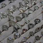Silber und Edelsteinringe