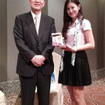 SPU-Japanese student recieved souvenir from Yamanashi Prefectural Governor