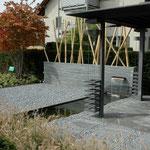 Bodenplatten Tessiner Granit, Oberfläche geprochen, Kanten gesägt, Eberhard_Gartenbau_AG, 8302 Kloten