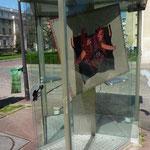 """""""Huipil"""" dans une cabine téléphonique. 1"""