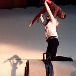 Püppi und Laura machen ein Dach