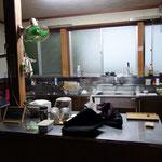 台所です!さすが、かつての旅館です!広いです~
