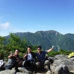 茶臼山から木曽駒ヶ岳 20代2名と歩けてよかった~若いです!