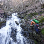 栗立川奥俣の方が長くて、登れる滝が多くて楽しいです!