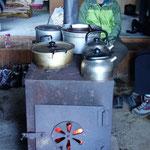 今日は我々だけの貸し切りの小屋です!暖炉が暖かい!