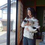 またまたすっ飛ばして能登の先のほうまで向います!10年以上お世話になっている陶芸家の方がゲストハウスをやられているので向います!タマという猫がかわいい!