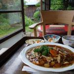 鳴子温泉に戻って古民家の食事処で遅い昼食