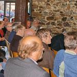 Die Gäste sind überrascht über die Anzahl der gepflanzten Setzlinge: insgesamt 4588, davon 1833 in Ober-Mörlen