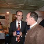 OB-Kandidat und Haug am Brückele-Mitglied Rothfuß im Gespräch mit Roland Wierer. Foto: VR-Stiftung