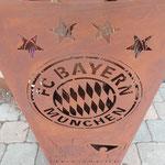 FC Bayern Feuerkorb den müssen wir bestellen Lieferzeit ca. 6 - 8 Wochen