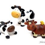 Figuras de vaca y ternera no incluidas.
