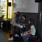 Musikalischer Auftakt mit den Schwestern Lüthi