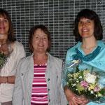 Die Präsidentin Elisabeth Knutti mit Rosmarie Scheidegger und Katrin Wüthrich.