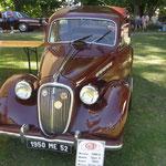Vintage car show, Chateauvillain