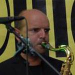 Joe Schnell, Saxophon