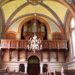 Scraffito-Putz im Inneren der Kirche