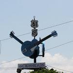 Crossroads, Clarksdale, Ms. - die Kreuzung an der Robert Johnson seine Seele für den Blues an den Teufel verkaufte. Die Faust-Story der Südstaaten