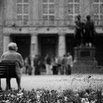 Weimar - Goethe und Schiller vor dem Staatstheater; das Werk der beiden Großschriftsteller ist ein Monolith der Mannschen Erzählkunst
