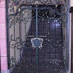 T 014 Eingangstür geschmiedet mit gefassten Goldelementen