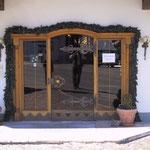 T 017 Einganstür Glas mit Bronzeeinfassung