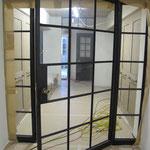 T040 Stahltüre mit mundgeblasenen Glas