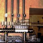 Edelstahlzapfsäulen poliert mit Messing Zierteilen - mit Gläserboard und Zuleitungen zu den Tanks - ES 006