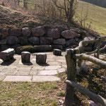 Hartmut Albrecht Tore & Zäune: Zaun aus Naturstämmen