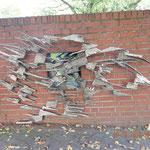 """es gab diverse Kunstwerke im Park zu bewundern, wenn auch nicht immer zu verstehen - dieses heisst """"Wandlung"""""""