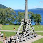 ein Katapult - die Steine, die damit geworfen wurden, wogen ca. 100 kg