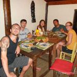 Yummi Pizza (George, Panda, Anne, Thiago und Eva, v.l.n.r.)