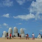 """""""Los Dedos"""" (die Finger) - das Wahrzeichen von Punta del Este"""