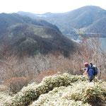 ②関東平野の眺望が終始楽しめる駒ヶ岳方面への明るい下山路