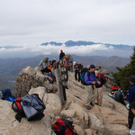 富士山、南アルプス、八ヶ岳、奥秩父連山の展望が楽しめる瑞牆山頂