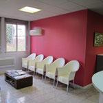 la salle d 39 attente. Black Bedroom Furniture Sets. Home Design Ideas