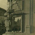 Mampostería destrozada en el Alcázar.