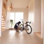 玄関土間は自転車スペース!