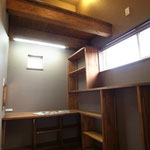 書斎スペース 子供の手が届かないロフトでは大事なプラモデルが・・・・・